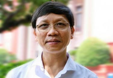 Phó giáo sư, Tiến sĩ Lý Việt Quang - Viện trưởng Viện Hồ Chí Minh và các lãnh tụ của Đảng, Học viện Chính trị Quốc gia Hồ Chí Minh.