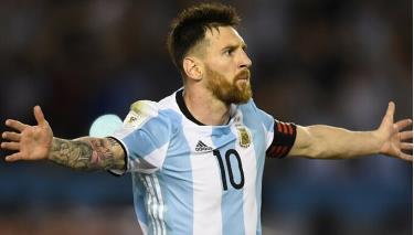 Messi có 87 bàn sau 165 trận cho Argentina.