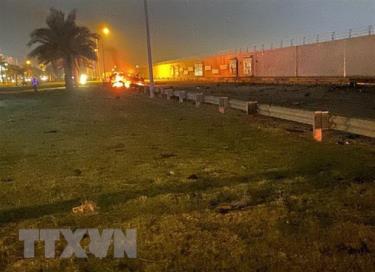 Xe ôtô bốc cháy sau vụ không kích do Mỹ tiến hành tại sân bay quốc tế thủ đô Baghdad, Iraq, ngày 3/1/2020.