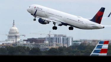 Lệnh cấm bay được đưa ra nhằm tránh rủi ro với máy bay dân sự.
