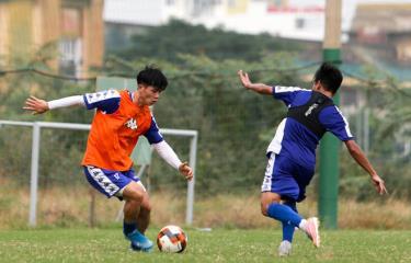 Công Phượng (trái) hứa hẹn thăng hoa trong màu áo mới CLB TPHCM.