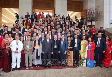 Thủ tướng Nguyễn Xuân Phúc với các đại biểu