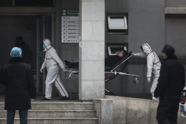 Tại Vũ Hán đã có 198 người bị chẩn đoán mắc bệnh viêm phổi lạ, trong số này có 136 ca nhiễm mới chỉ riêng trong 2 ngày cuối tuần qua.