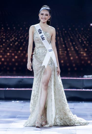 Trần Tâm Thanh trong phần trình diễn trang phục dạ hội tại chung kết Hoa hậu Hoàn vũ Việt Nam 2019.