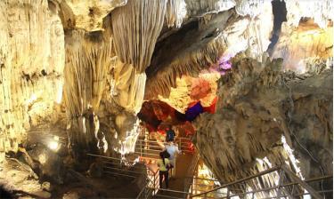 Hệ thống quần thể hang động mới được phát hiện ở xã Khai Trung.