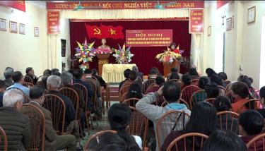 Một buổi sinh hoạt chuyên đề của Chi bộ tổ 11, phường Yên Ninh.
