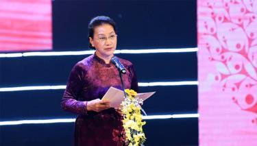 Chủ tịch Quốc hội Nguyễn Thị Kim Ngân phát biểu tại chương trình.