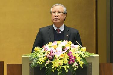 Thường trực Ban Bí thư Trần Quốc Vượng giới thiệu nội dung Chỉ thị của Bộ Chính trị về lãnh đạo công tác bầu cử đại biểu Quốc hội khóa XV.