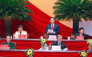 Ông Vương Đình Huệ, Ủy viên Bộ Chính trị, Bí thư Thành ủy Hà Nội thay mặt Đoàn Chủ tịch điều hành phiên họp sáng 28/1.