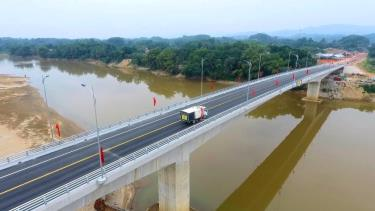 The project only meets expectation of thousands of local residents but also ensures synchronous transportation connectivity in Tran Yen district