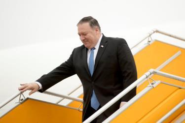 Ngoại trưởngNgoại trưởng Mỹ Pompeoxuống máy bay tại sân bay Nội Bài