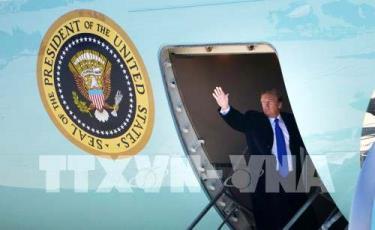 Tổng thống Donald Trump lên chuyên cơ Không Lực Một khởi hành đến Hà Nội, Việt Nam dự Hội nghị Thượng đỉnh Mỹ - Triều lần 2.