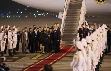 Lễ đón Tổng thống Mỹ Donald Trump tại sân bay quốc tế Nội Bài.