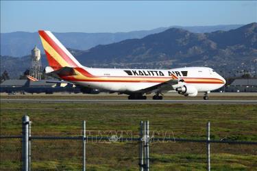 Máy bay sơ tán công dân Mỹ khỏi thành phố Vũ Hán, Trung Quốc về tới căn cứ không quân ở Riverside, California (Mỹ) ngày 29/1/2020.