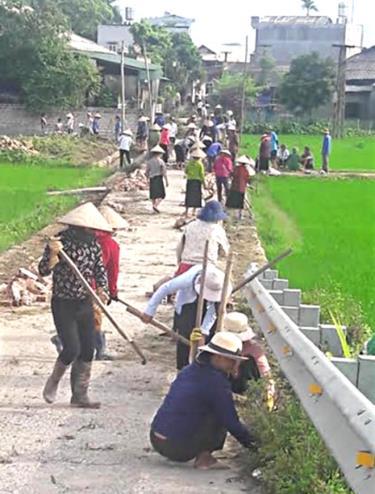Người dân xã Nghĩa Phúc luôn đồng thuận xây dựng các công trình hạ tầng kinh tế tại địa phương.