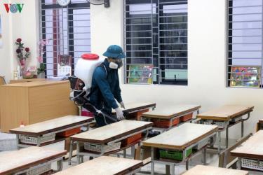 Khử khuẩn tại các trường trên địa bàn TP Hà Nội.