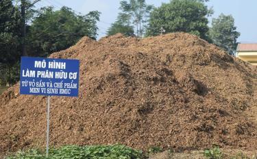 Phân hữu cơ ủ bằng sản phẩm phụ của Nhà máy Sắn Văn Yên với chế phẩm men vi sinh Emic giúp cải tạo đất, cây sắn sinh trưởng và phát triển tốt.