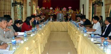 Thường trực Thành ủy - HĐND - UBND thành phố Yên Bái kiểm tra quy chế làm việc tại phường Đồng Tâm.