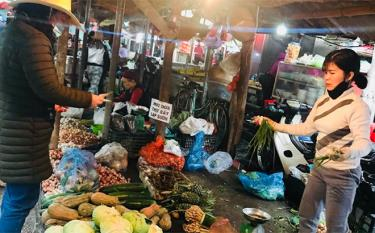 Giá cả mặt hàng rau xanh tăng cao sau tết.