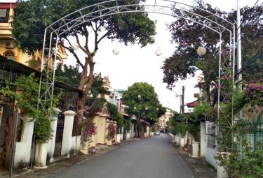 Các tuyến đường nội thị ở thị xã Nghĩa Lộ dường như vắng hơn (Ảnh minh họa).