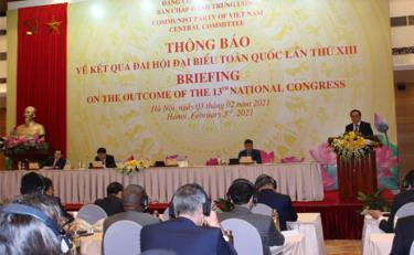 Ông Hoàng Bình Quân thông báo kết quả Đại hội XIII với các đại sứ, đại biện, đại diện tổ chức quốc tế tại Việt Nam