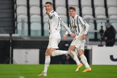 Cristiano Ronaldo tự tặng cho bản thân món quà sinh nhật ý nghĩa.