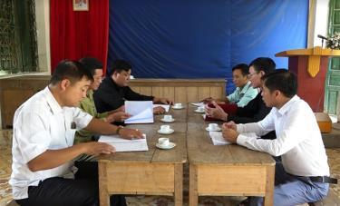 Ban Thường vụ Đảng ủy xã Đại Sơn làm việc trực tiếp với cấp ủy Chi bộ thôn Đoàn Kết về thực hiện Chỉ thị 05.