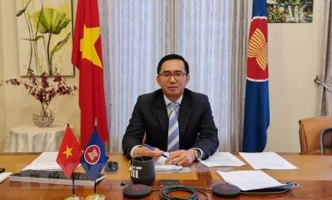 Deputy Secretary-General of ASEAN for Community and Corporate Affairs Tran Duc Binh.
