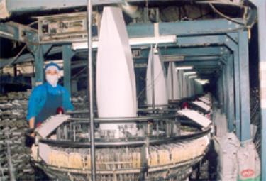 Một dây chuyền sản xuất của Công ty TNHH Yên Phú.