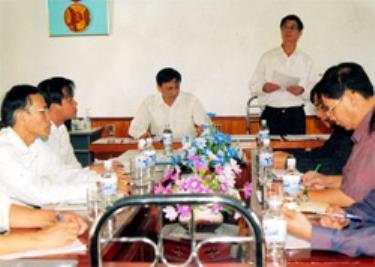 Đồng chí Hoàng Xuân Lộc - Bí thư Tỉnh ủy, Chủ tịch UBND tỉnh làm việc với Sở KH&CN. (Ảnh: Anh Dũng)