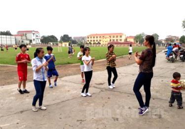 Các vận động viên đoàn Văn Yên tích cực luyện tập để giành thành tích tốt nhất.