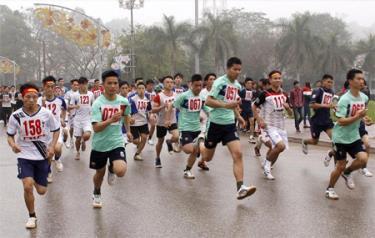 Các vận động viên thi đấu ở nội dung Nam chính mùa giải năm 2016.