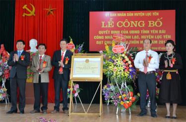 Xã Vĩnh Lạc huyện Lục Yên đón nhận Quyết định của UBND tỉnh công nhận đạt chuẩn nông thôn mới.