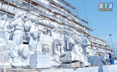 Công trình Tượng đài Bác Hồ với nông dân Việt Nam đã hoàn thành hơn 90%.
