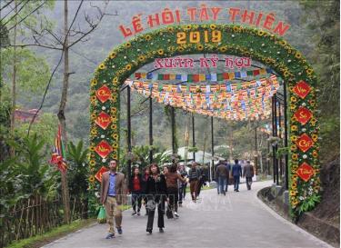 Du khách hành hương về khu danh thắng Tây Thiên những ngày đầu xuân. (Ảnh tư liệu)
