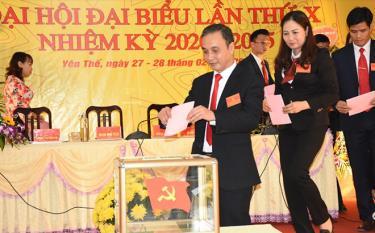 Đảng bộ thị trấn Yên Thế, huyện Lục Yên tổ chức đại hội điểm thành công tốt đẹp.