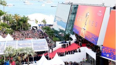 Liên hoan phim Cannes chính thức hoãn vì dịch Covid-19.