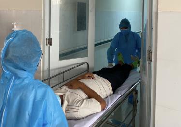 Diễn tập tiếp nhận điều trị bệnh nhân COVID-19 tại Trung tâm Y tế huyện Cần Giờ