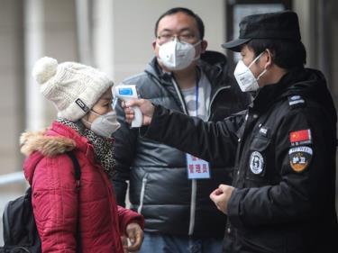 Trung Quốc tạm ngừng cho người nước ngoài nhập cảnh từ ngày 28/3.