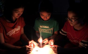 Sau 1 giờ tắt đèn hưởng ứng Giờ Trái đất, toàn tỉnh Yên Bái tiết kiệm được sản lượng điện trên 16.000 kWh, tương đương số tiền hơn 32 triệu đồng.