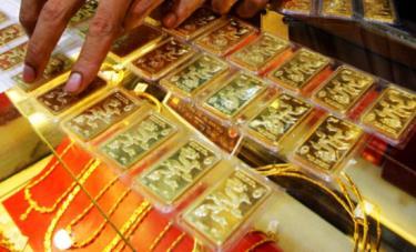 Giá vàng thế giới giảm, vàng SJC đã vượt qua mốc 48 triệu đồng/lượng. Ảnh minh họa.