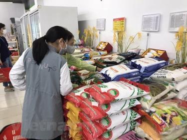 Bộ Công Thương yêu cầu bảo đảm cung ứng nhu yếu phẩm cho người dân thường xuyên, liên tục, giảm mật độ người mua đến từng điểm bán.