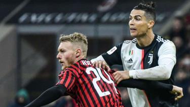 Trận bán kết giữa Juventus và AC Milan bị hoãn vô thời hạn.