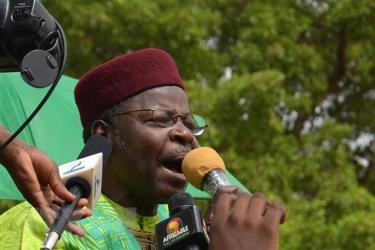 Ông Mahamane Ousmane phát biểu tại Niamey, Niger.