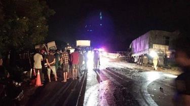 Đồng Tháp tai nạn giao thông nghiêm trọng làm 7 người thương vong.