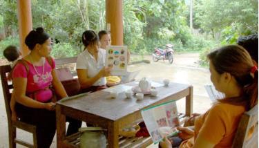Tuyên truyền về DS-KHHGĐ và bình đẳng giới ở xã Quang Minh (huyện Văn Yên).