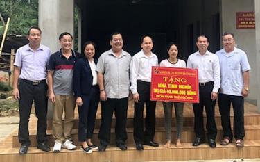 Nhiều hoạt động an sinh xã hội được cán bộ, nhân viên, người lao động Agribank Chi nhánh Bắc Yên Bái tổ chức thực hiện. (Ảnh: Lê Phiên)