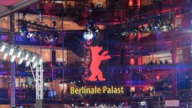 Berlinale lần thứ 71 chính thức khai mạc theo hình thức trực tuyến.