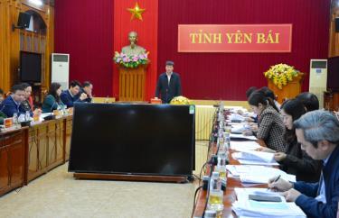 Đồng chí Trần Huy Tuấn - Phó Bí thư Tỉnh ủy, Chủ tịch UBND tỉnh, Chủ tịch UBBC tỉnh phát biểu tại Hội nghị.