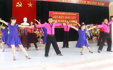 Câu lạc bộ Làn sóng xanh Tuy Lộc luôn đóng góp tích cực trong các hoạt động phong trào văn hóa văn nghệ của địa phương.